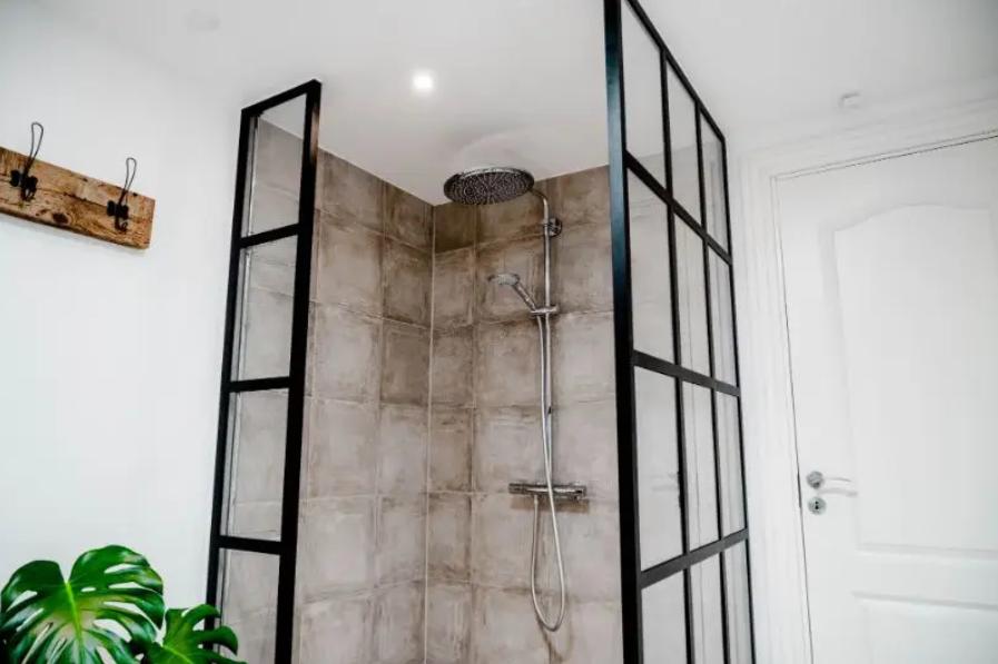 Sådan udnytter du dine boligkvadratmeter bedre med en New Yorker glasvæg